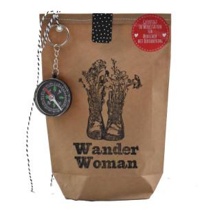 Wander Woman Wundertüte von Wunderle. Kleine Survival Überraschung für SIE! Frauen Geschenktüte Wandern.
