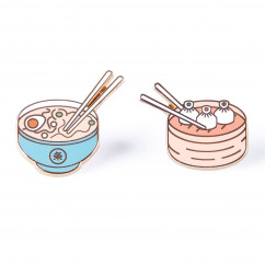 Stylische Anstecker Pins 2er-Set Pinaholic Asian Food von doiy design. Zwei coole Pins mit Schmetterlingsverschluss.