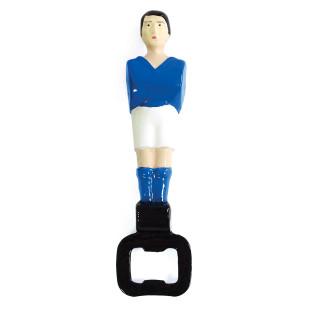 Flaschenöffner Tischfußball Kicker Spielfigur, blau von DOIY Design. Cooler Kapselheber Fußballer!