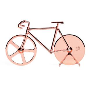 Ein kupferfarbenes Rennrad zum Pizza schneiden. Pizzaschneider THE FIXIE chopper von doiy design. Fahrrad Pizzaschneider.