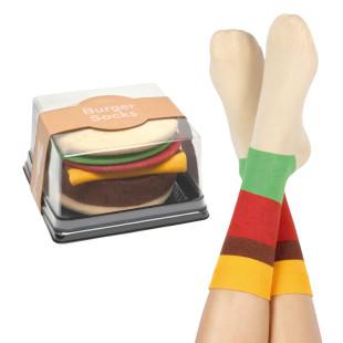 Burger Socken von doiy design. Burger Socks - coole und ausgefallene Fashionsocken - one size - bunt gestreift.