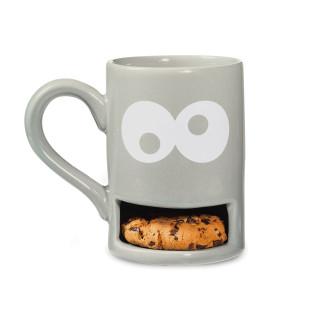 Graue MUG MONSTER Tasse mit Keksfach von DONKEY: Lustige Henkeltasse mit Kulleraugen und Fach für einen Keks.