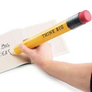 XXXL Bleistift THINK BIG von Donkey Products: der extra große Bleistift, um große Gedanken zu Papier zu bringen.