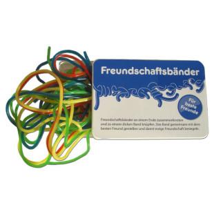 liebeskummerpillen Freundschaftsbänder: bunte Fruchtgummischnüre in kleiner Kunststoffbox.