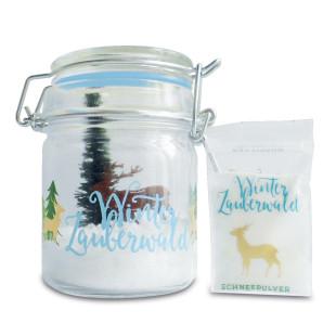 Winterzauberwald Kit von liebeskummerpillen. Einweckglas mit Kunststoffbäumchen inklusive Kunstschnee.