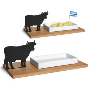 Käseschale Kuh von side by side: mit Kuh-Silhouette, Spitzahorn-Brett und weißer Porzellanschale.