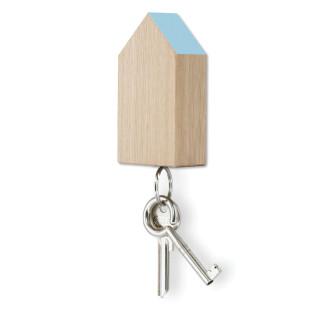 Schlüsselhaus magnetic aus Eiche mit hellblauem Dach von side by side.