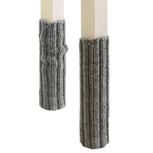Socken-Set für Stuhlbeine aus grauer Wolle von side by side.