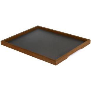 Tablett Basic L mit Rahmen aus Nussbaumholz und schwarzer Beschichtung von side by side.